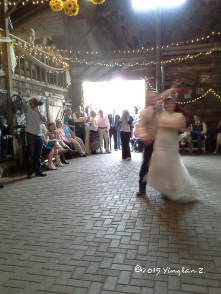 The groom and bride dance, aww