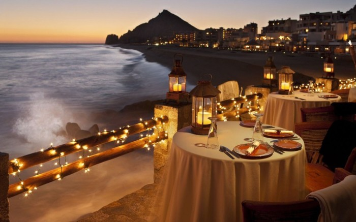 romantic-table-setting-by-the-ocean-16477