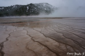 Diagonal lines in Yellowstone